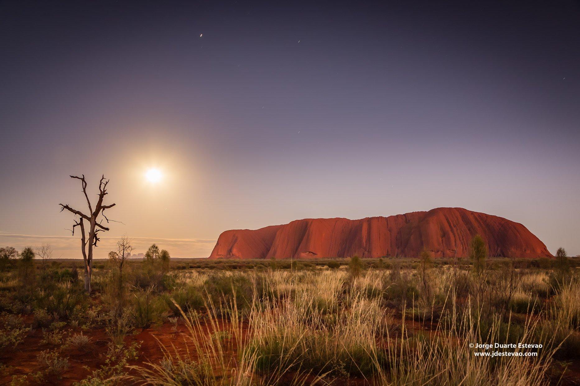 Sunrise Uluru Ayers Rock Uluru-Kata Tjuta National Park Northern territory australia