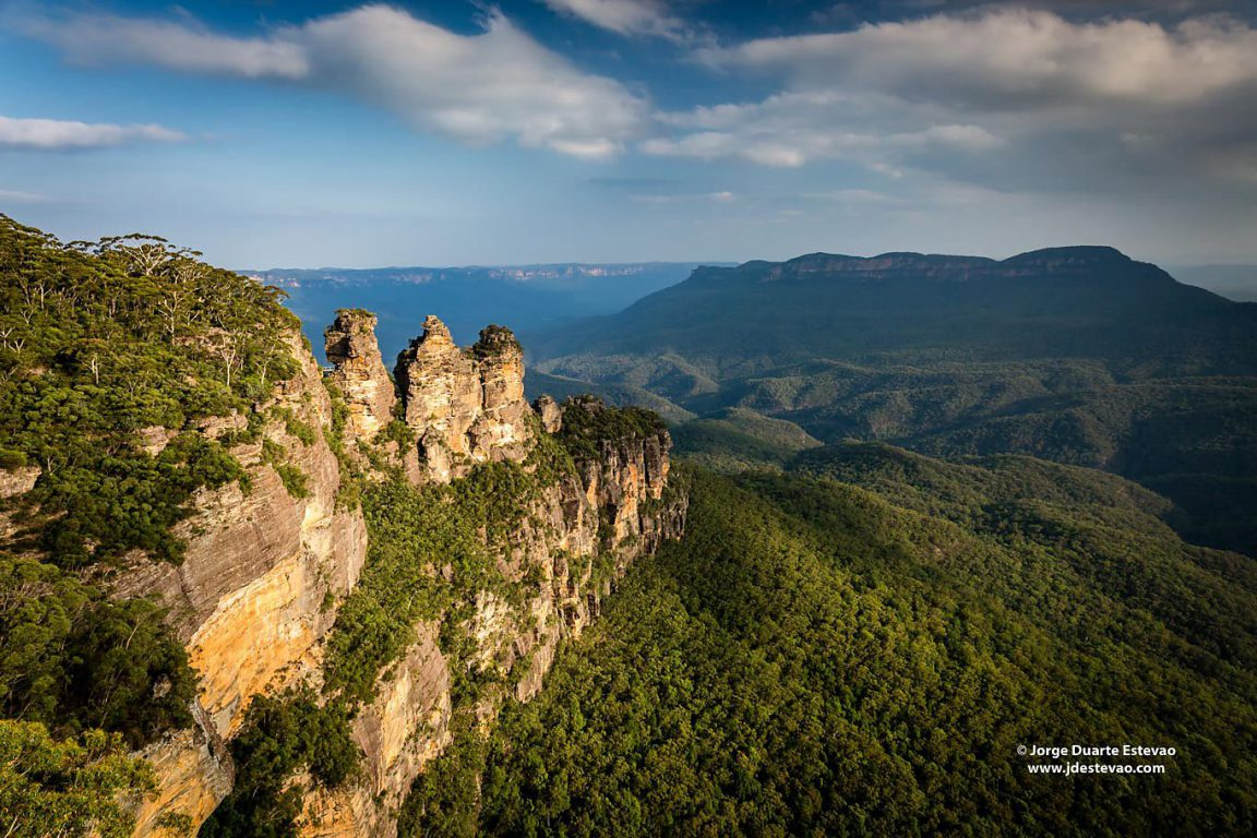 Three Sisters, in Katoomba, Blue Mountains National Park, Australia. The unusual rock formation represents three sisters turned to stone, according to the Aboriginal legend